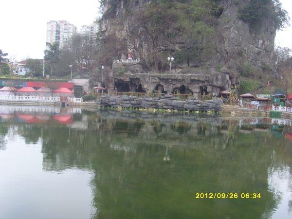 贺州市灵峰广场观光湖水质改善与生态恢复工程